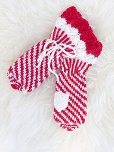 Nordic Yarns and Design since 1928 Knitted Mittens Pattern, Knit Mittens, Knitted Christmas Stockings, Knitting Socks, Knit Socks, Handicraft, Knit Crochet, Crochet Patterns, Sewing