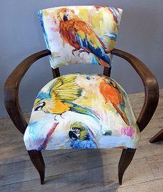 """Les Belles Assises - Réfection complète d'un fauteuil """"Bridge"""" de style """"Art Déco"""". Tissu de chez """"Prestigious Textile"""". Finition cloutée."""