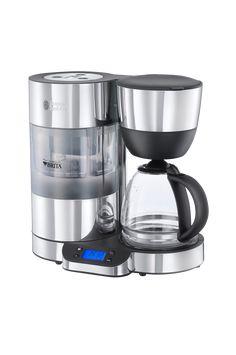 Clarity Kaffebryggare är idealisk för kaffeentusiaster. Kaffebryggarens avancerade teknik inkluderar ett inbyggt Brita filter som tar bort orenheter från vattnet eftersom som varje kaffekännare vet att renare vatten innebär en bättre och renare smak samt bidrar till att utveckla de naturliga starka kaffearomerna. Denna stilrena kaffebryggare har också en rörlig vattentank som upprätthåller trycket när vattnet går genom värmaren, för att säkerställa en konstant optimal temperatur under…