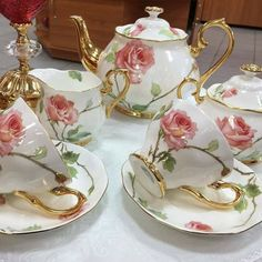 The shape of the handles and the teapot make me think these are Royal Albert. The shape of the handles and the teapot make me think these are Royal Albert. The backstamp on the Tea Cup Set, My Cup Of Tea, Tea Cup Saucer, Bistro Design, Teapots And Cups, Teacups, Tea Sets Vintage, Rose Tea, Tea Service