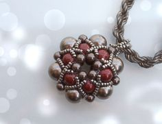 Beading Tutorial Dorothy Pendant, Beadwork PDF Pattern with Swarovski Crystal Pearls and japanese seed beads by DiasJewelryShop on Etsy https://www.etsy.com/listing/153705071/beading-tutorial-dorothy-pendant