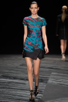 See the J. Mendel Spring 2015 collection on Vogue.com.