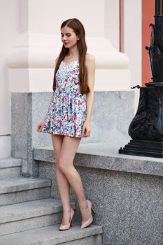 Cute Dress Outfits, Cute Dresses, Vintage Dresses, Nude Pumps, Nice Legs, Dress Skirt, Sexy Women, Mini Skirts, How To Wear