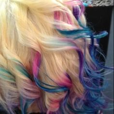 blonde dip dye.. Pinned this one just for fun ;)