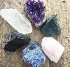Yoga Crystal Set Meditation Stone Set Raw Crystal Kit Crystals