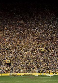1.000.000 soccerfans ! The yellow wall of Dortmund.