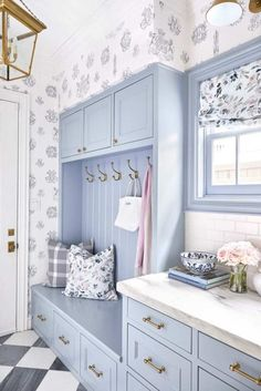 Pretty Pastels in a Textile Designer's Dallas Home – Blue and White Home BM Pikes Peak Gray cabinets renovation Painting Home Design, Interior Design, White Laundry Rooms, Bright Homes, Dining Nook, White Houses, White Decor, Pikes Peak, Mudroom