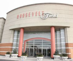 Roosevelt Field Mall in Garden City, NY Long Island Ny, Roosevelt Field, Moving To Las Vegas, Felder, Best Places To Live, Island Girl, World Trade Center, Modern Buildings, What Is Like