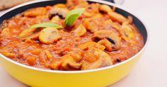 Mennyei Svéd gombasaláta recept! A franciasaláta és társai mellett a svéd gombasaláta is egy gyerekkori kedvenc. Friss baguettel reggelire, vagy könnyű vacsorának tökéletes. Illetve ha meleg ételre vágyunk, és marad meg belőle, akkor felmelegítve, spagettiszószként is jól funkcionál. ;) My Recipes, Salad Recipes, Healthy Recipes, Crossfit Diet, Cold Dishes, Hungarian Recipes, No Cook Meals, Macaroni And Cheese, Meal Prep