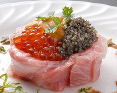 Luxury sushi using Matsuzaka beef in Japan! ぐるなび - いちばち メニュー:刺/菜/珍 :大トロ・ウニ・キャビア・松坂牛を  使った究極の贅沢寿司!!