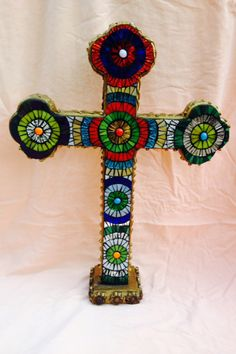 Mosaic cross.. Religious, stained glass. Mosaic Crosses, Mosaic Art, Amazing Art, Stained Glass, Great Gifts, Art Pieces, My Arts, Rainbow, Creative