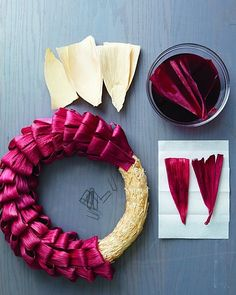 corn+husk+crafts+instructions | corn husk wreath - would love to do this using some natural dying ...