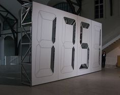 Enormous digital clock spotted at Hamburger Bahnhof Museum -- Engadget