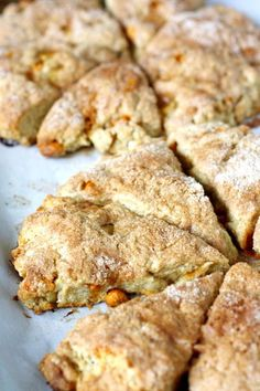 Fresh Apple Cinnamon Scones Delicious, and make your house smell like nice too! Breakfast Recipes, Dessert Recipes, Scone Recipes, Breakfast Pastries, Brunch Recipes, Fresh Apples, Cinnamon Apples, Cinnamon Chips, Apple Recipes