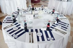 i like this idea of colourful placemats to add to the table decor.. could just be paper so relatively easy to do...
