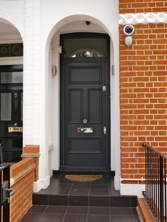 Ideas for victorian front door railings Front Door Farrow And Ball, House Front Door, House Entrance, Entrance Doors, Door Entry, Front Porch, Victorian Front Doors, Black Front Doors, Painted Front Doors