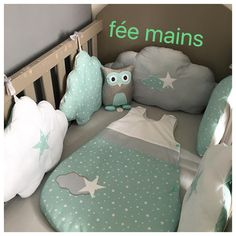 Baby bumper in the shape of sea green, grey and white clouds with stars Tour de lit bébé en forme … Baby Room Decor, Nursery Room, Baby Bumper, Cloud Cushion, Diy Crib, Grey Pillows, White Clouds, Baby Boy Rooms, Baby Patterns