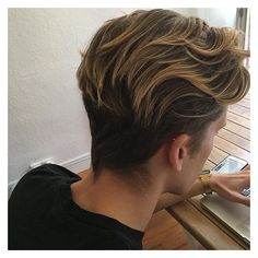 Tendance Coupe & Coiffure Femme Description Flow Hairstyle – Long Wavy Hair Combed Back Older Women Hairstyles, Hairstyles Haircuts, Haircuts For Men, Latest Hairstyles, Haircut Men, Wedge Hairstyles, Hairstyle Men, Popular Hairstyles, Black Hairstyles