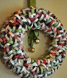 couronne de Noël et décoration de porte d'entrée