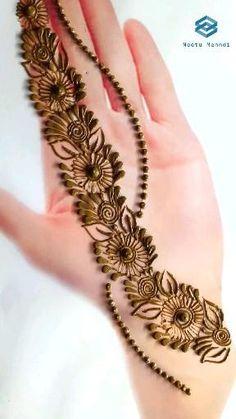 Very Simple Mehndi Designs, Mehndi Designs Front Hand, Pretty Henna Designs, Khafif Mehndi Design, Mehndi Designs For Kids, Latest Henna Designs, Floral Henna Designs, Finger Henna Designs, Henna Tattoo Designs Simple