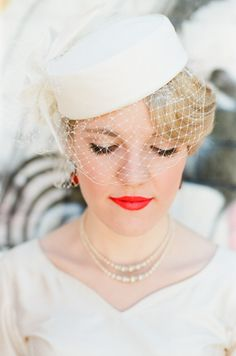 hollywood glam paired with a bright red lip. #wedding