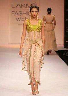 5 Looks We Love From Shilpa Reddy at Lakme Fashion Week Lakme Fashion Week, India Fashion, Ethnic Fashion, Asian Fashion, Womens Fashion, Classy Fashion, Designer Salwar Kameez, Designer Sarees, Dhoti Saree