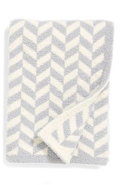 Free shipping and returns on Barefoot Dreams® Barefoot Dreams Chevron Blanket (Baby) at Nordstrom.com. Add a homey touch to the nursery with a cozy chevron-print blanket that wraps your little one in snuggly soft warmth.