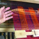 Tips and tricks on how to improve the selvedges on your handwovens. #weaving
