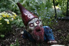 OMG! This is so cool! :P Crawling Zombie Gnome