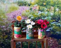 Plante verte fleur dans boîte de conserve miniature maison de poupées échelle 1:12 vendue à l'unité de la boutique MadeInEven sur Etsy