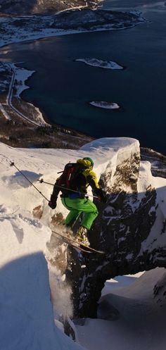 Skiing in Norway // Air time // Backcountry skiing Go Skiing, Alpine Skiing, Snowboarding Style, Ski And Snowboard, Ski Extreme, Trekking, Ski Freeride, Snow Fun, Base Jumping