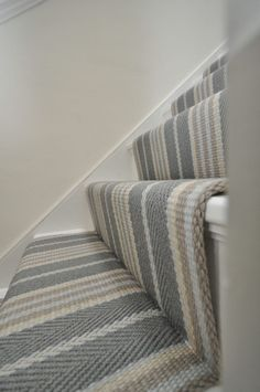 Lintzford 1 – Off The Loom – Home decoration ideas and garde ideas Hallway Colours, Hallway Decorating, Staircase Design, Foyer Decorating, Hallway Flooring, Home Decor, House Interior, Coastal Living Rooms, Stairs