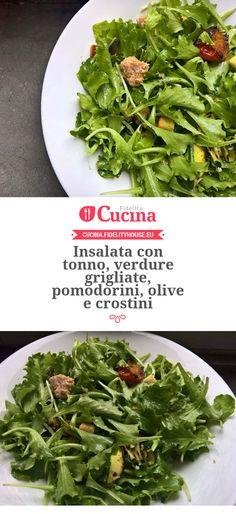 Insalata con tonno, verdure grigliate, pomodorini, olive e crostini della nostra utente Francesca. Unisciti alla nostra Community ed invia le tue ricette!