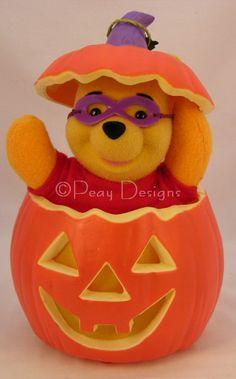 Halloween WINNIE THE POOH Pumpkin - Telco Motionettes