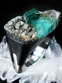 emerald ring by pasionae £1,105