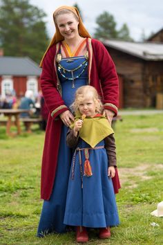 viking mother and child