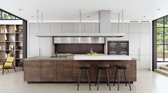 Custom Designed European Kitchens developed by professional, experienced and Specialised Luxury Kitchen Designers, trained in Danish Design Principles. Custom Kitchens, Luxury Kitchens, Cool Kitchens, Bespoke Kitchens, White Kitchens, Open Plan Kitchen, New Kitchen, Kitchen Island, Beige Kitchen