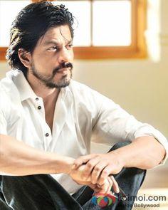 """SRK's Accident Is Total Salman Ki Limelight Churane Ki Koshish"" – Gossip Aunty"