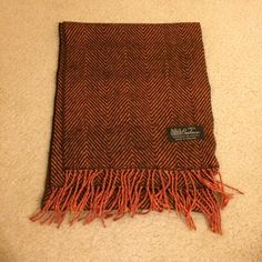 100% cashmere scarf Beautiful, NWOT. Accessories Scarves & Wraps