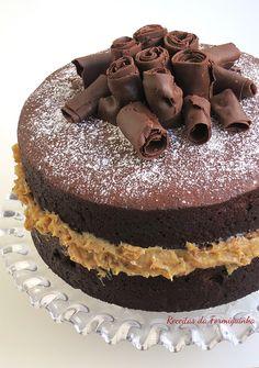 Naked Cake de Chocolate com Brigadeiro de Nozes - Receitas da Formiguinha