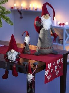 pl You may also be interested in 🙂Norwegian Wool MittensSockerbit Sigvard Small Scandinavian Christmas GnomeEasy-to-Make Christmas Holiday Crafts – Like these pinecone Gnome [. Swedish Christmas, Christmas Gnome, Scandinavian Christmas, Christmas Holidays, Christmas Decorations, Christmas Ornaments, Happy Holidays, Christmas Christmas, Share Pictures