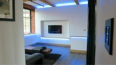 Cheshire showroom with discreet home cinema, multiroom audio, Lutron lighting and control4 (via @Smarthomeuk Ltd Ltd)
