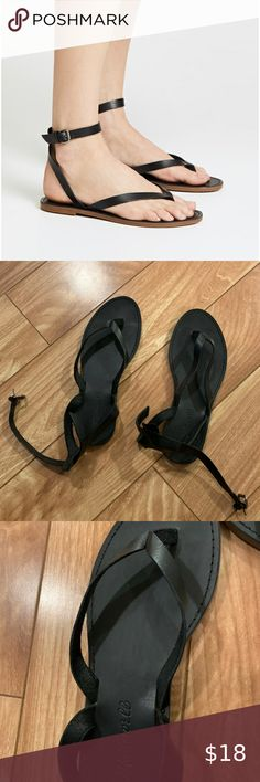 Madewell Boardwalk Thong Sandal Black leather flat sandal - size Runs TTS. No damage and only worn a handful of times (If that). I personally wasn't a fan of the ankle strap on me! Black Leather Flats, Leather Sandals Flat, Flat Sandals, Women's Shoes Sandals, Madewell, Ankle Strap, Fan, Times, Closet
