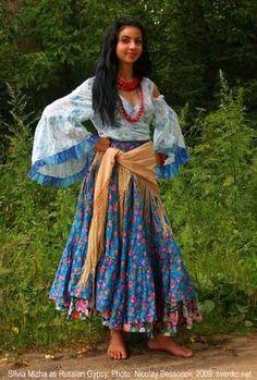 gypsy costume horses - Buscar con Google