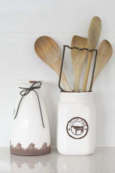 Farmhouse Utensils   #farmhousekitchen #woodenspoons #farmhousedecor #farmhousestyle #kitchenutensils #sweethomeelabana Farmhouse Style, Farmhouse Decor, Wooden Spoons, Kitchen Utensils, Projects, Diy Kitchen Appliances, Log Projects, Kitchen Gadgets, Blue Prints