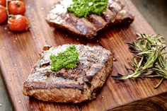 Rosemary Rump with a Kale Walnut Pesto - Make delicious beef recipes easy, for any occasion Walnut Pesto, Food Styling, Kale, Beef Recipes, Easy Meals, Collard Greens, Meat Recipes, Quick Easy Meals, Easy Dinners