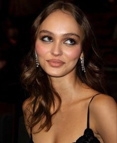 Lily Rose Depp Style, Lily Rose Melody Depp, Best Bronzer, Best Highlighter, Beauty Art, Beauty Makeup, Hair Makeup, Creative Makeup Looks, Girly Pictures