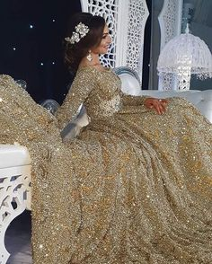 Caftan de la novia es siempre más llamativo y más lujoso para que las invitadas no la superen en la belleza
