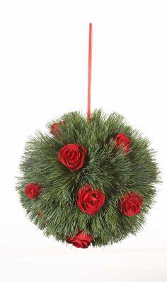 Kissing balls Wedding Decorations, Christmas Decorations, Christmas Ornaments, Christmas Ideas, Kissing Ball, Holiday Crafts, Holiday Decor, Big Day, Centerpieces