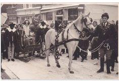 Sinterklaas op Texel, rechts Willy Zijm